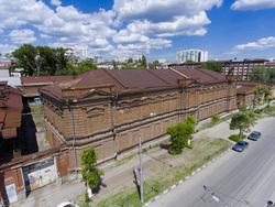 Складам Рейнеке обновят крышу за 7,8 млн