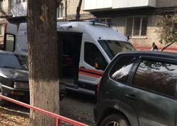 Мать выбросила двух дочерей из окна четвертого этажа