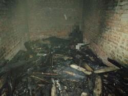 В сгоревшем гараже нашли обугленный труп