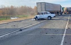 Водитель и пассажирка 'семерки' погибли в автокатастрофе