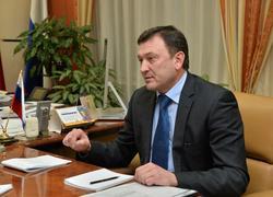 Чиновники объяснили покупку иномарки за 2 млн износом 'Весты'