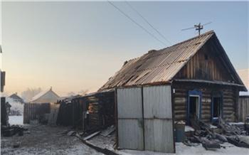В Уяре сгорел частный дом. Погибли мать и пятеро детей