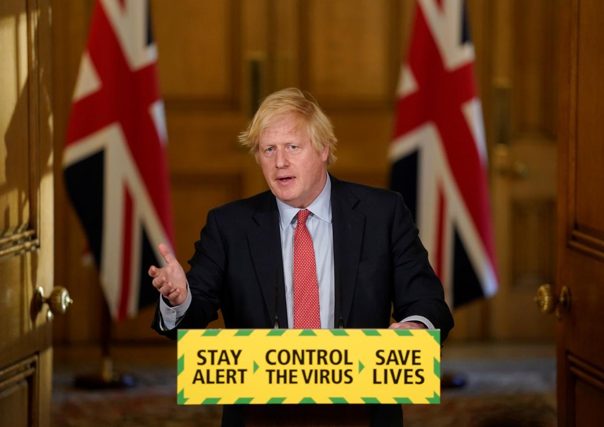 Британский премьер Джонсон получил отрицательный тест на COVID-19 после контакта с инфицированным