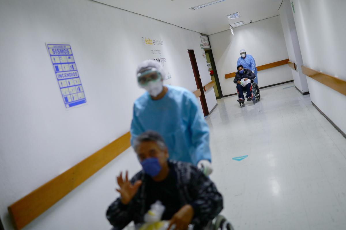 От коронавируса в мире умерли более 685 тысяч человек