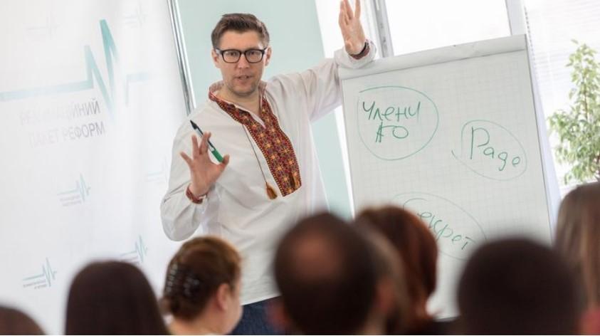 Журналисты выяснили, кого в Украине хотят назначить главным куратором СМИ