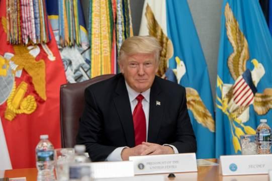 Президент США рассказал о наличии у страны «самого мощного» оружия, вызывающего зависть у России