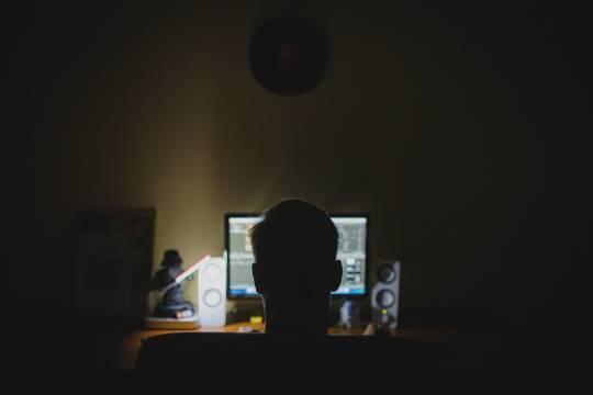 Российских пользователей атаковали мошеннические платные опросы