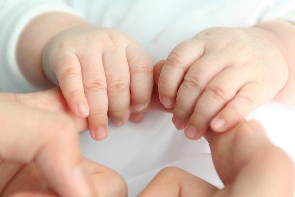 Воспитание 21-го века? Омич пожаловался на синяки у ребёнка после посещения детсада
