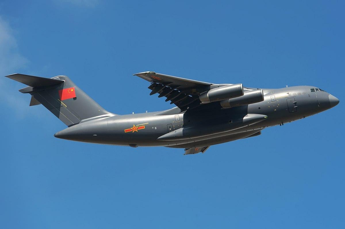 Китайцы превратили транспортный самолёт в летающий танкер