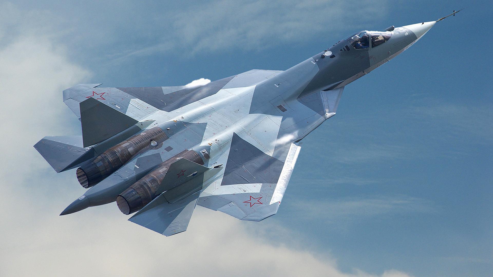 Эксперты рассказали, в чем российский истребитель Су-57 превосходит американский F-35