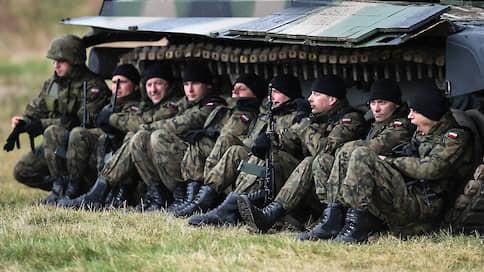 Что наступать — болеть, что отступать — болеть // В НАТО ответили отказом на призыв России приостановить военные учения на период пандемии