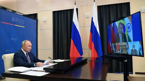 Путин предложил в связи с пандемией отменить санкции против нуждающихся стран