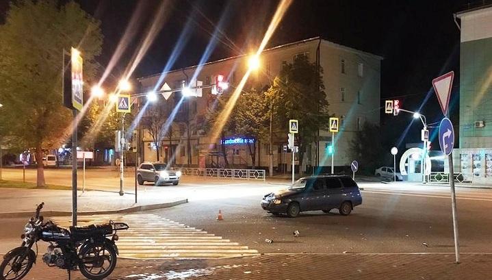 В Липецке 20-летний водитель авто сбил 14-летних подростков на мопеде