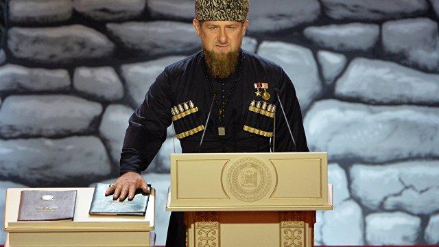Союзник Путина сражен коронавирусом: чеченский лидер Рамзан Кадыров в больнице «с поражением 50% легких» (Daily Mail, Великобритания)