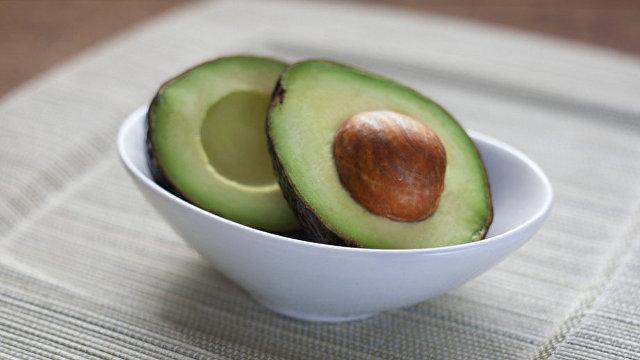 Rai Al Youm (Великобритания): когда употребление авокадо губительно для человека?