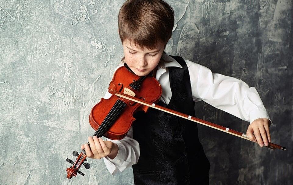 Как занятия музыкой влияют на человеческий мозг?