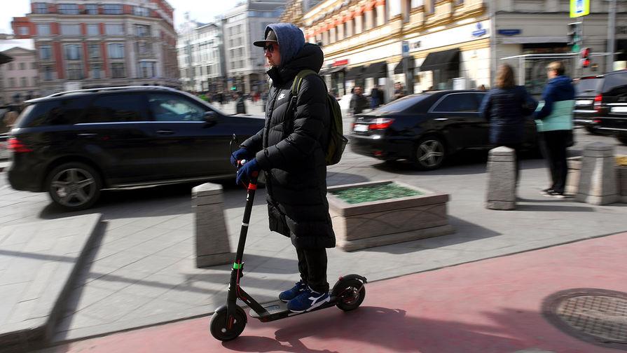 В РФ предложили ограничить скорость поездок на электросамокатах