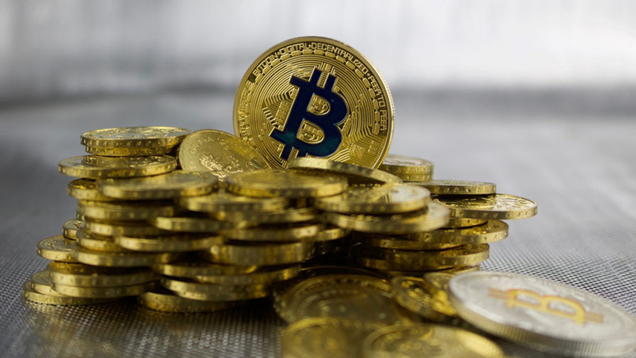 Курс биткоина впервые с 2017 года превысил $18 тысяч
