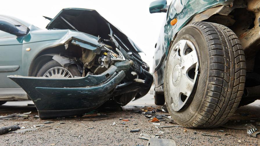 Три человека погибли при столкновении двух автомобилей в Челябинской области