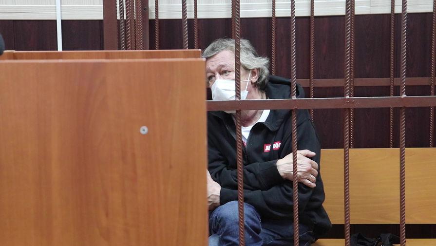 Адвокат Ефремова проведет 'жесткий' разговор с артистом