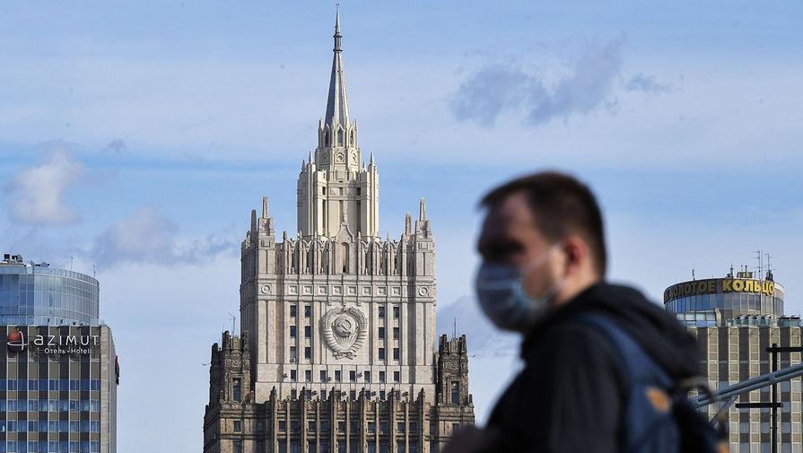 МИД объяснил, зачем Западу нужен 'спектакль с отравлением' Навального