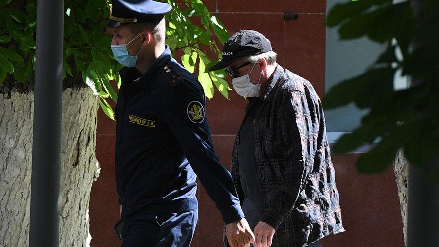 Адвокат рассказал о занятиях Ефремова под домашним арестом