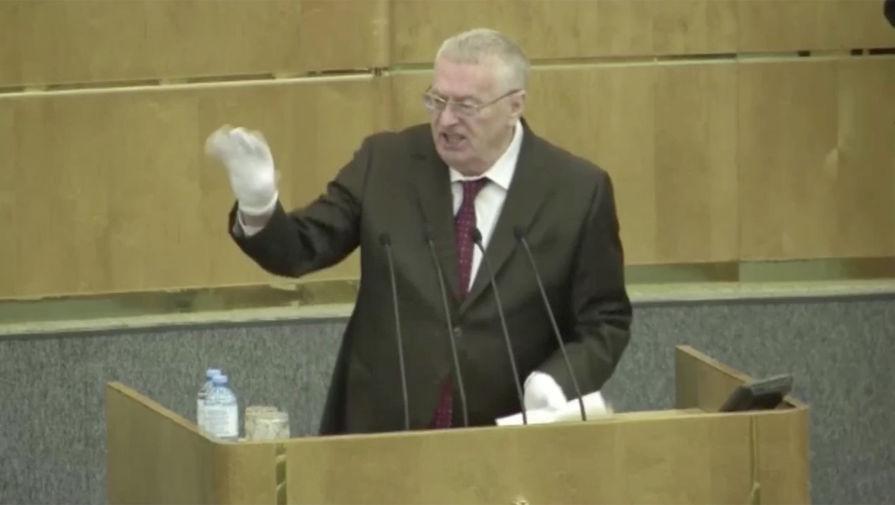 Жириновский призвал срочно закрыть границы РФ