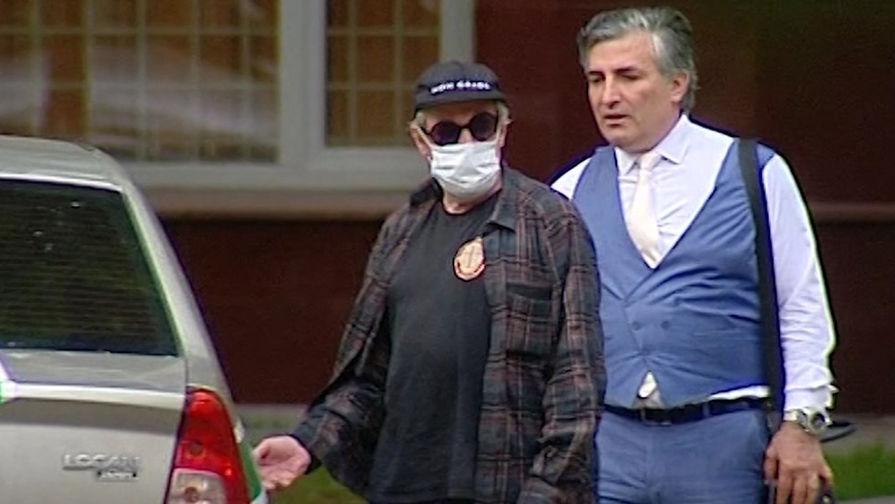 Почетный адвокат счел Ефремова 'жертвой' его защитника