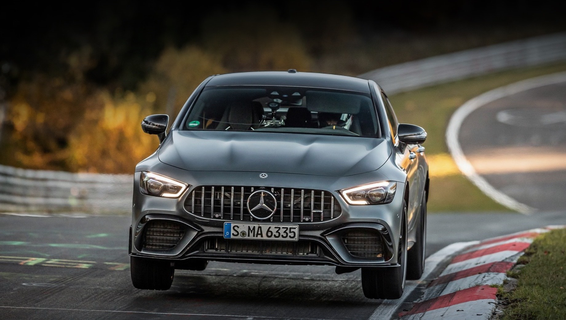 Mercedes-AMG GT 63 S 4Matic вернул себе корону на Нордшляйфе