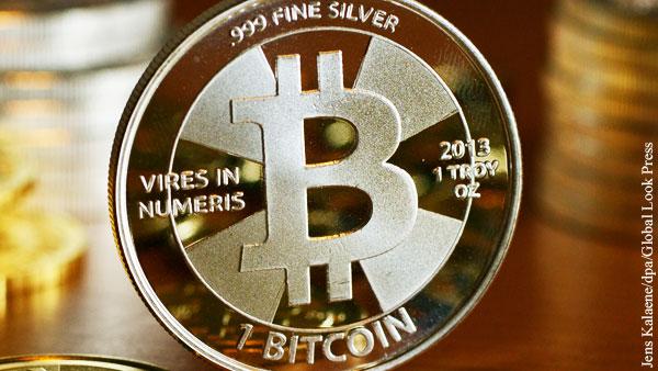 Впервые с 2017 года биткоин стал дороже 18 тыс. долларов