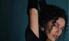 Испанские страсти и баскетбол на каблуках: жена рэпера Мота запела и сняла видео на свой первый сингл