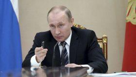 Собянин и еще 18: стало известно, кого критиковал Путин за наркополитику