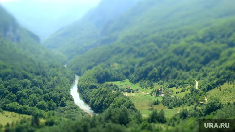 Черногория отказывается принимать российских туристов