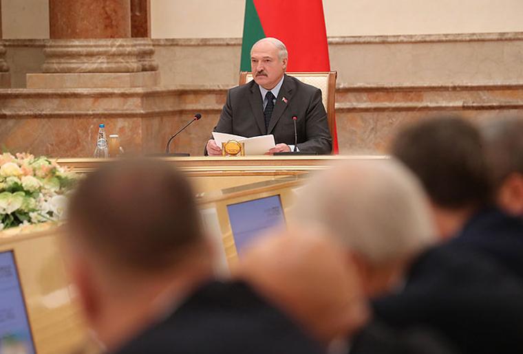 Лукашенко перенес послание к нации