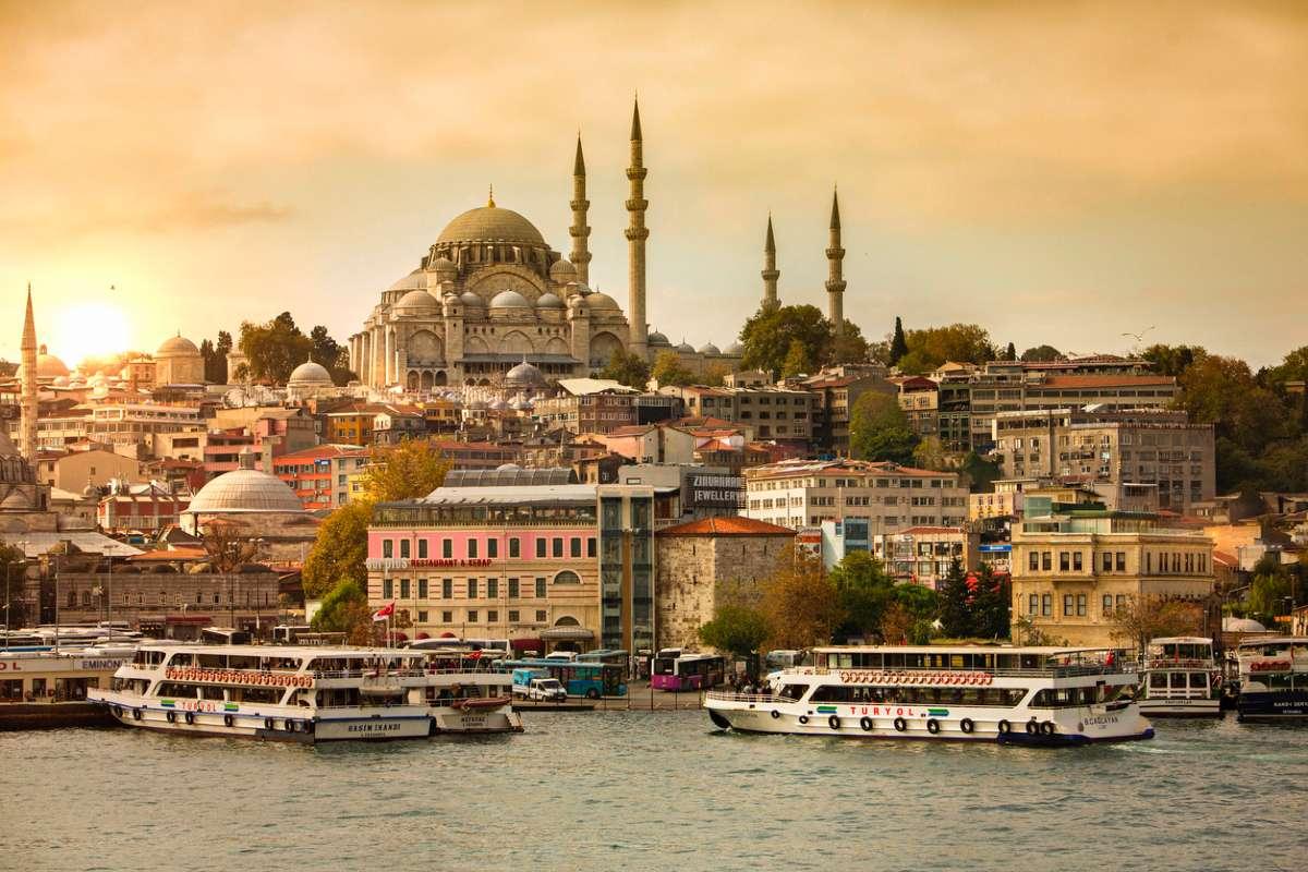 Турция возобновила авиасообщение с Россией