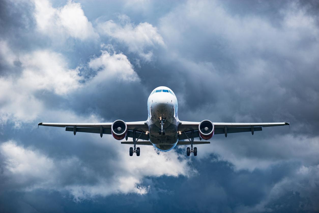 Половина выбросов CO2 от самолетов приходится всего на 1% пассажиров — исследование