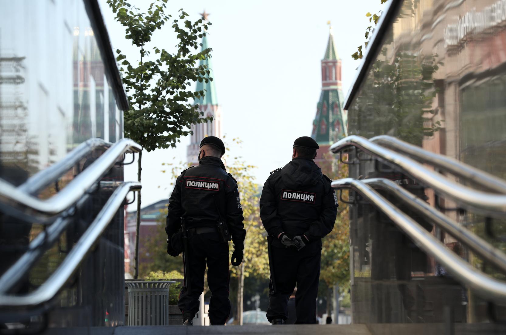 Полиция усиливает наблюдение за нарушителями противоковидных мер
