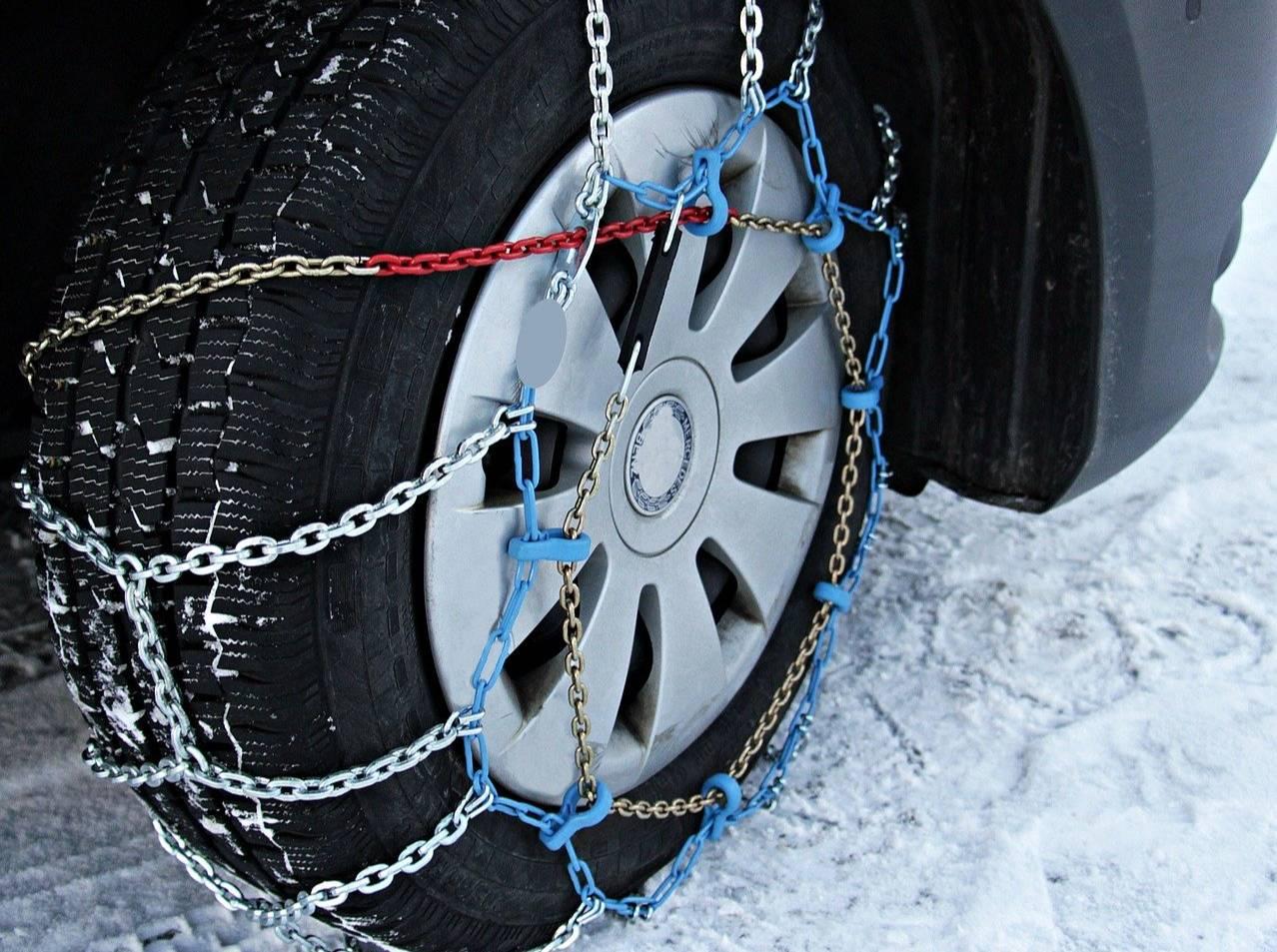 Вильфанд объяснил автомобилистам, когда нужно ставить зимнюю резину