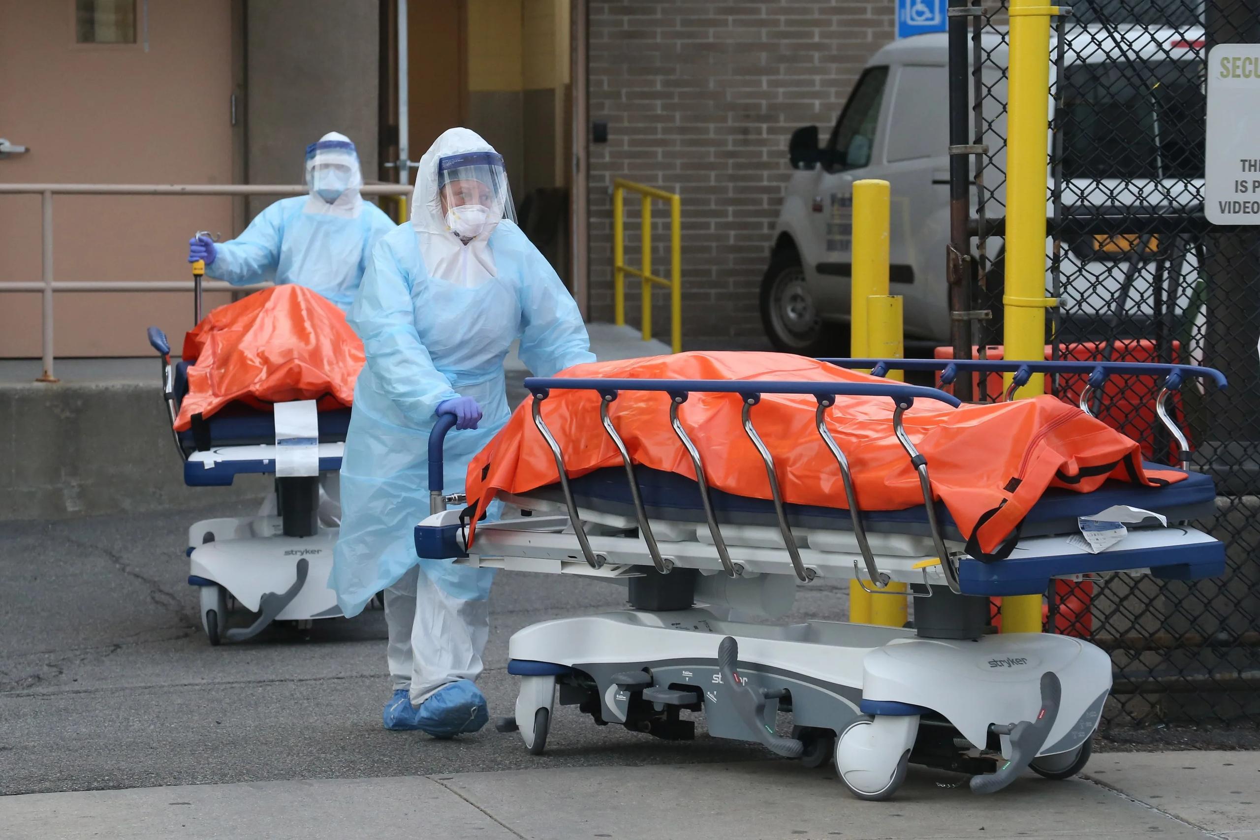 Число погибших от коронавируса в мире превысило 688 тысяч человек